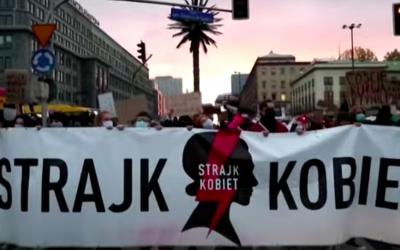 Pologne : les femmes retournent dans la rue pour défendre leurs droits